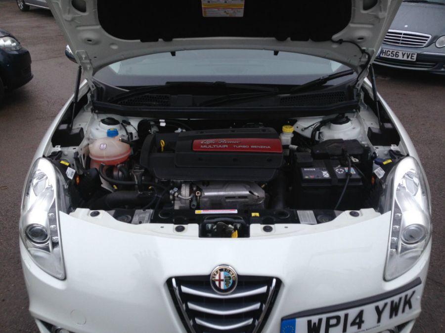 Alfa Romeo Giulietta 1.4 TB MultiAir Distinctive 5dr (start/stop)